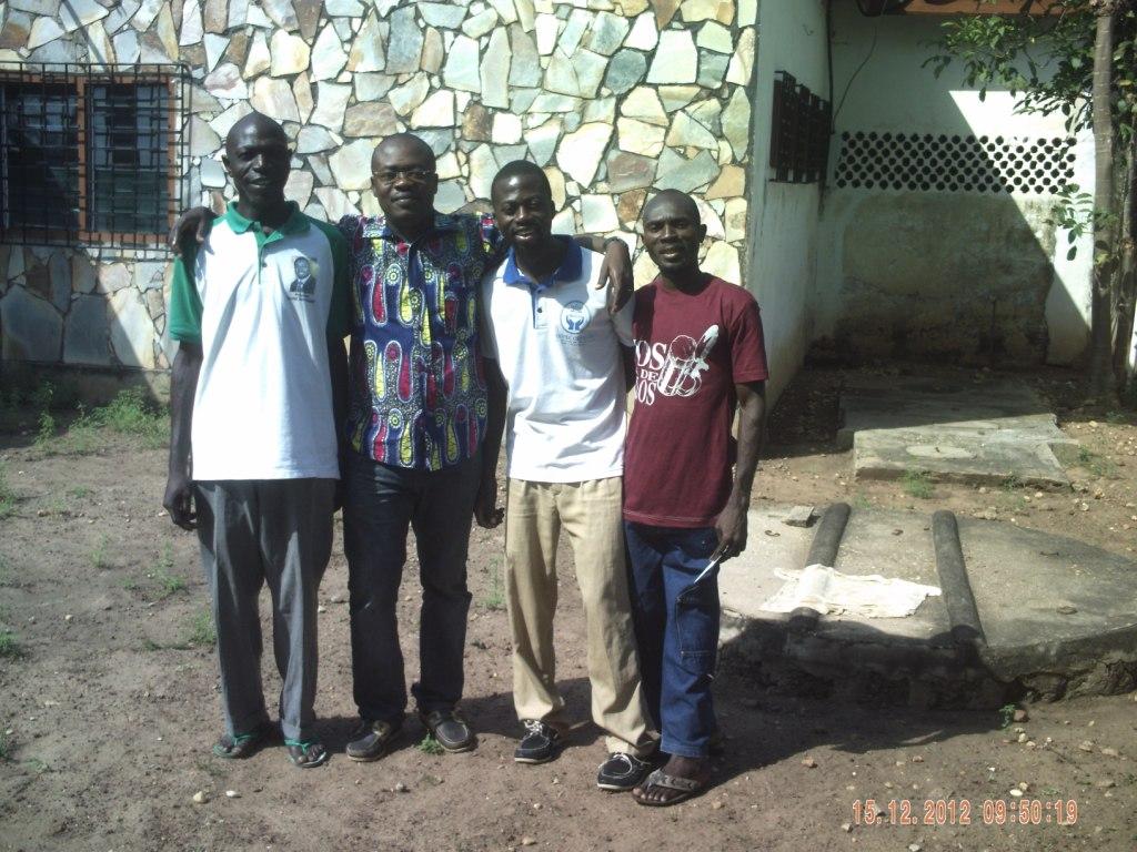 L'équipe de la Maison pour Tous dans L'association pict0019
